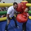 Чемпионы Мира по боксу помогают детям