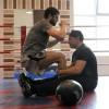 Костя Цзю тренирует боксера Хабиба Аллахвердиева