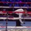 У боксера во время боя из трусов выпал телефон!