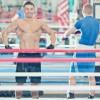 Геннадий Головкин продемонстрировал свои мускулы
