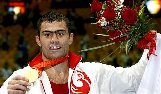 Рахим Чахкиев перешел в профессионалы (1)