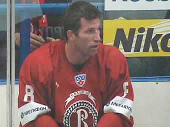 Канадский хоккеист перешел в профессиональный бокс (1)