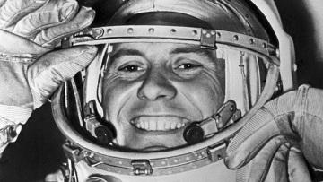Ушел из жизни легендарный космонавт Павел Романович Попович  (1)