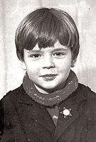 Таким семилетний  Юра пришел в секцию к Виктору Игнатьеву