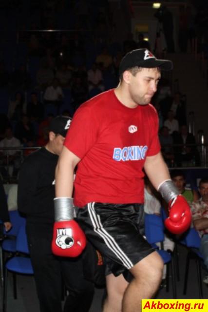 Максим Маслов уступил пояс чемпиона Европы (1)