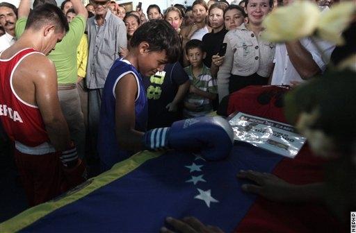 Похороны Эдвина Валеро (1)