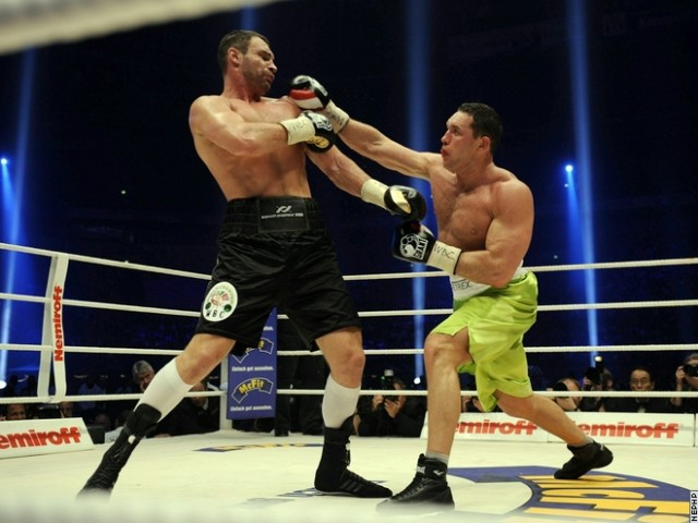 Три статьи о бое Виталий Кличко - Альберт Сосновски (1)