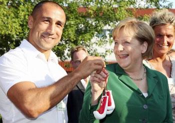 Артур Абрахам встретился с Ангелой Меркель (1)