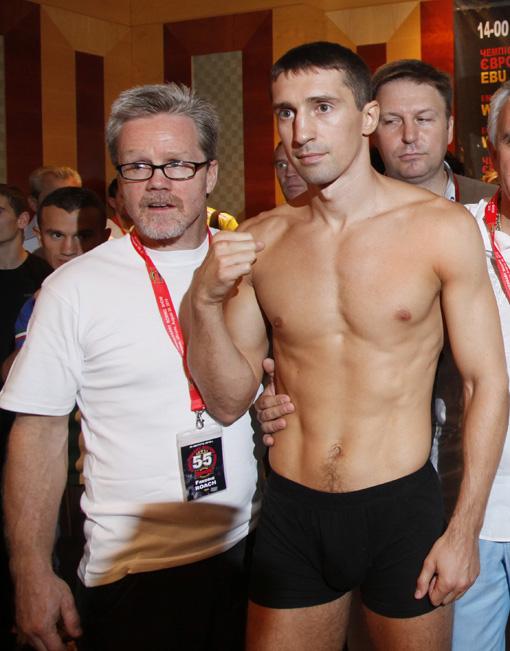 Вячеслав Сенченко сохранил титул чемпиона мира по боксу (2)
