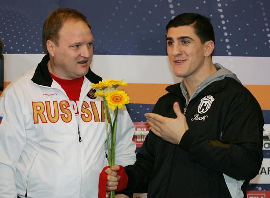 Марко Хук, Владимир Хрюнов