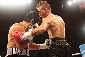 Марко Антонио Баррейра вернулся на ринг и разрушил Ариаса (2)