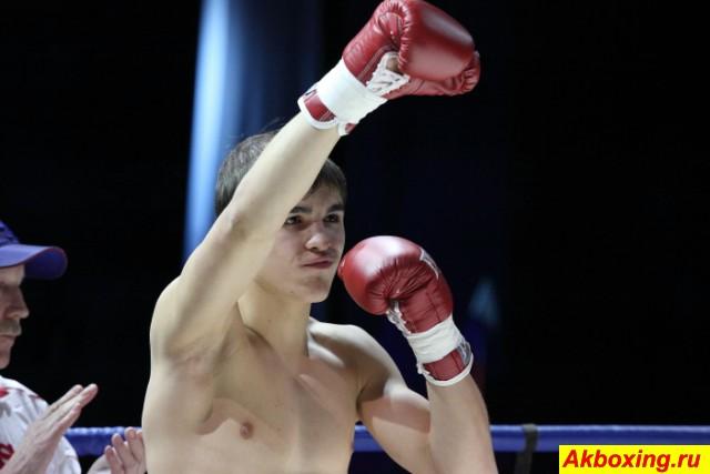 Челябинск встретил профессиональный бокс аншлагом! (3)