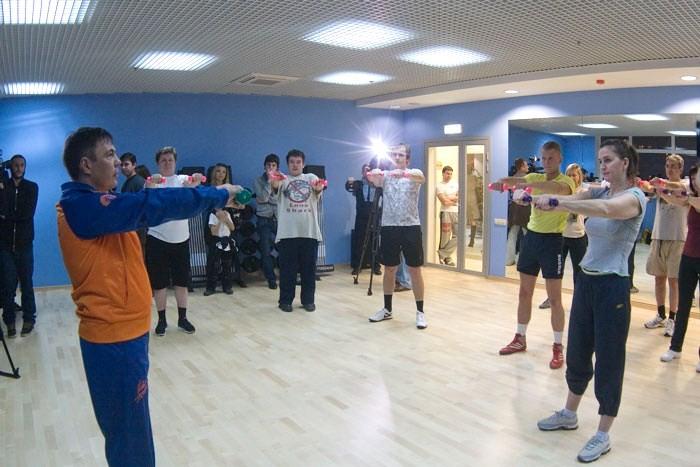 Костя Цзю открыл школу бокса и начал тренировать Дениса Лебедева (2)