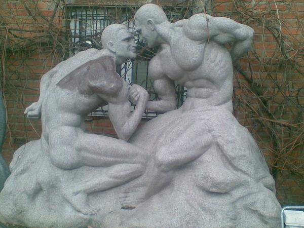 Братьям Кличко установят памятник при жизни? (2)