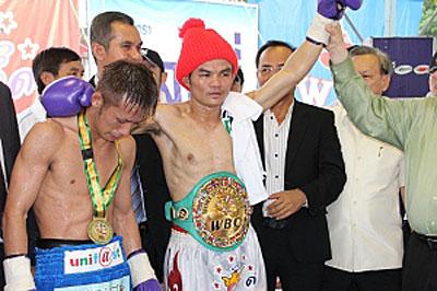 Понгсаклек Вонйонгкам в 19-й раз становится чемпионом Мира! (1)