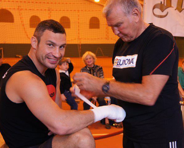 Виталий Кличко возобновил подготовку к бою с Адамеком (1)