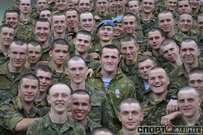 Денис Лебедев посетил полк ВДВ (3)