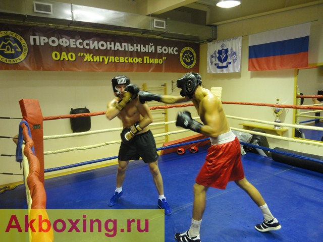 Дмитрий Пирог начинает подготовку к бою с Мартиросяном (1)