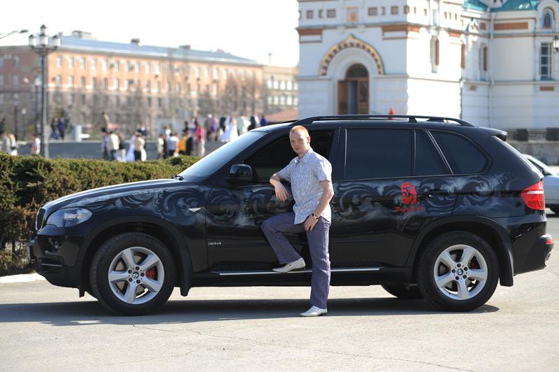 Алексей Тищенко продает подарок президента (2)