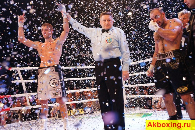 Дмитрий Пирог защитил титул чемпиона Мира в бою с Мартиросяном (1)