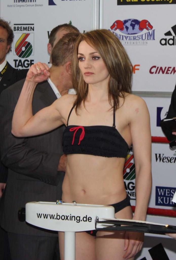 Ина Менцер возвращается на ринг (1)