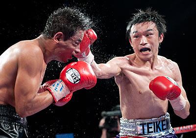 Тошиаки Нишиока в седьмой раз отстоял свой титул (1)