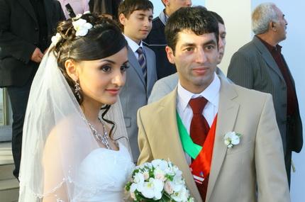 Чемпион Мира по боксу Миша Алоян женился!  (1)