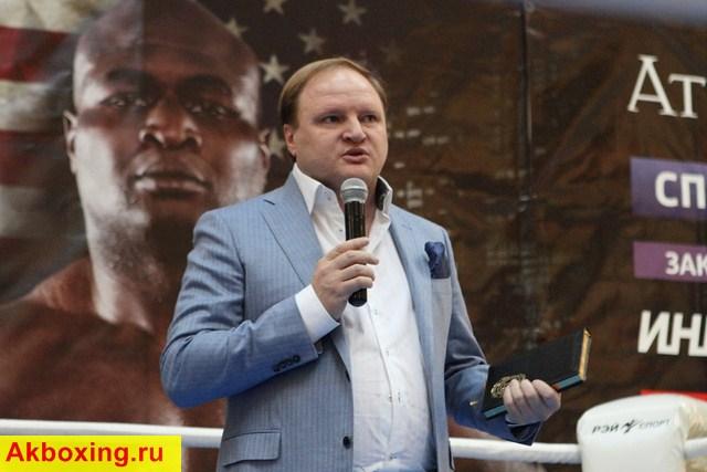Владимир Хрюнов: Тони - настоящая свинья! (1)