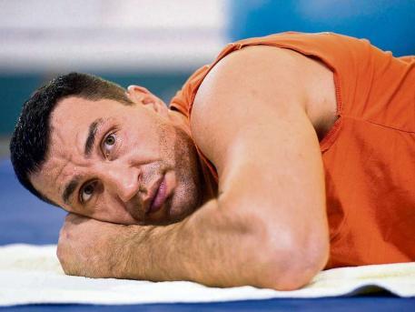 Владимир Кличко доставлен в больницу (1)