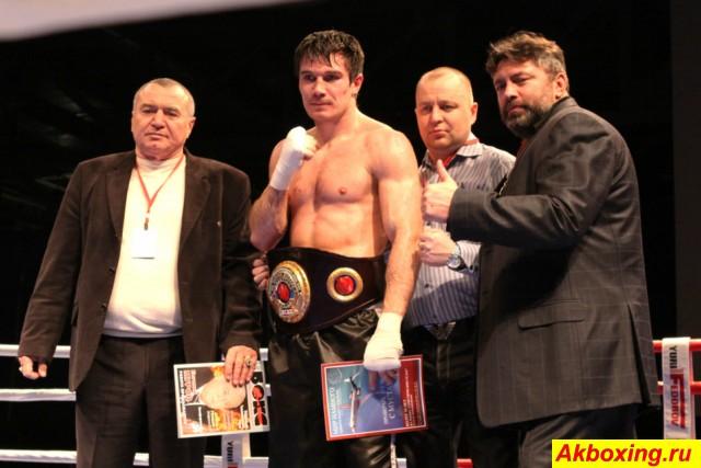 Роман Симаков со своей командой