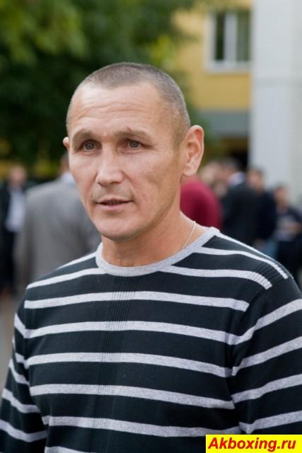 Анатолий Александров уходит из своего боксерского клуба (1)