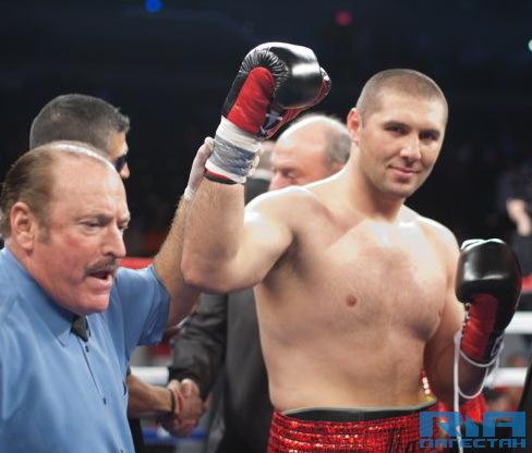 Абдусаламов нокаутировал Петтэуэя в 4-ом раунде (1)