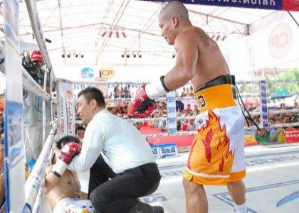 pongsaklek-vs-jaro-fight