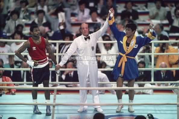 Рой Джонс дождался медали от Олимпийского комитета (1)