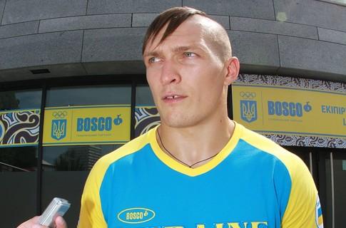 Украинские боксеры приехали на Олимпиаду с чубами (2)