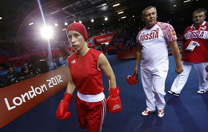 Елена Савельева проиграла чемпионке мира по боксу из Китая (1)
