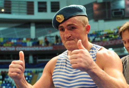 Чемпион Мира WBA, Денис Лебедев, выходит на ринг (1)