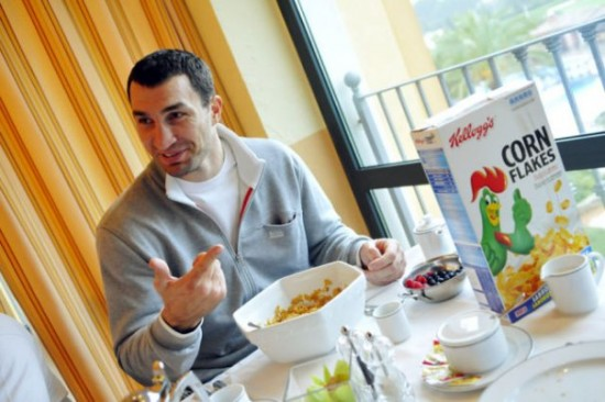 Владимир Кличко был нокаутирован куриным салатом! (1)