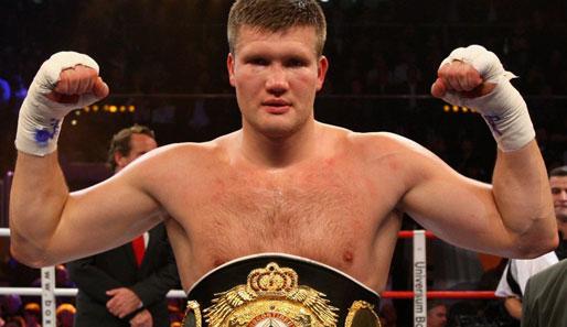 Александр Димитренко успешно вернулся на ринг, победив Самира Куртажича (1)