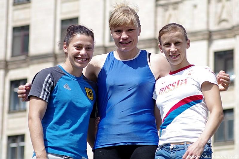 Софья Очигава и Елена Савельева пропустят сезон-2013  (1)