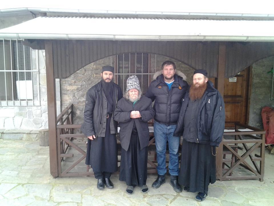 Александр Емельяненко ушел в монастырь (3)