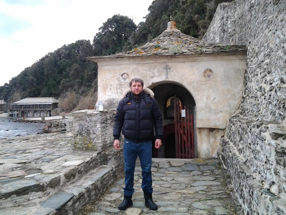 Александр Емельяненко ушел в монастырь (1)