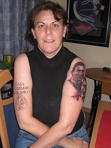 Госпожа Кличко теперь носит братьев на себе (1)