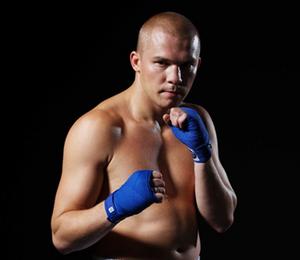 Константин Питернов уступил канадскому боксеру по очкам (1)
