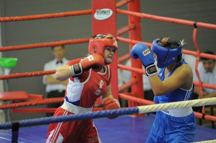 Лейтенант спецназа победила на турнире по боксу (1)