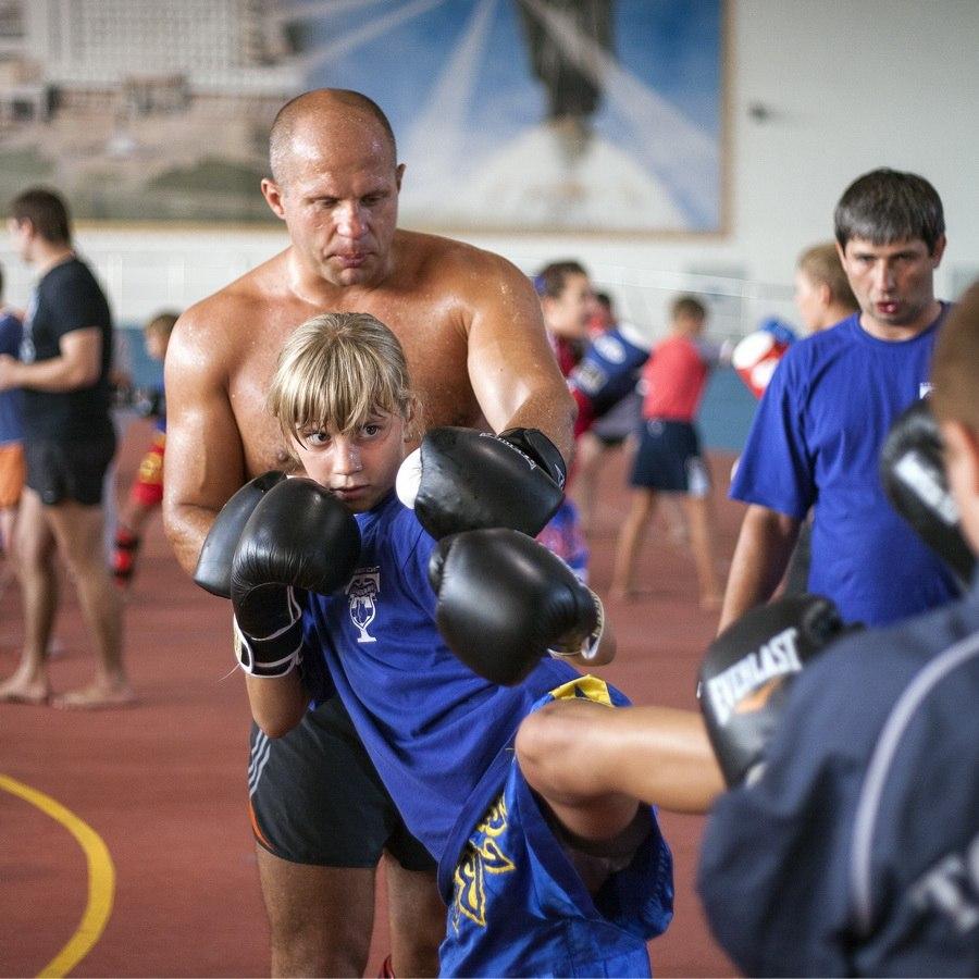 Федор Емельяненко провел мастер-класс в Оренбурге (видео) (1)