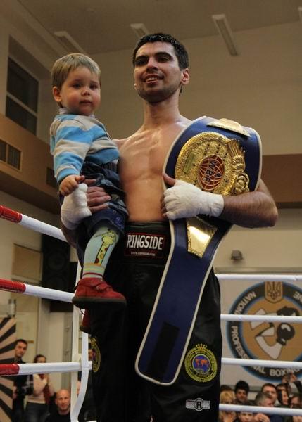 Украина получила двух новых боксеров - чемпионов  (1)