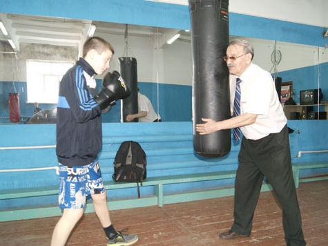 Арнольд Григорьевич Жданов: Хук левой — это удар победы (1)
