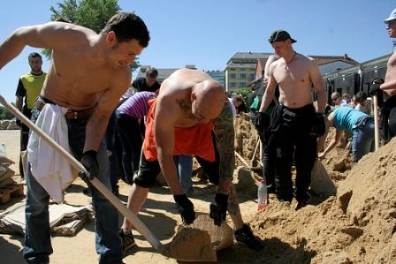 Чемпион Мира Роберт Штиглиц теперь сражается с наводнением (1)
