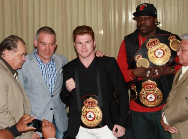 Гильермо Джонс и Сауль Альварес получили пояса чемпионов Мира WBA (1)